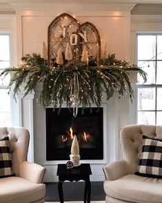 Embellish your Christmas fireplace with these amazing decorations that will give your home a cozy feel. We included simple DIY ideas to match any taste, from a rustic and vintage garland to elaborate and modern mantle décor. Source by Fashion Ideas Farmhouse Christmas Decor, Country Christmas, Christmas Mantels, Christmas Diy, Fireplace Mantel Christmas Decorations, Mantle Ideas, Fire Place Christmas Decor, White Christmas, Fire Place Decor
