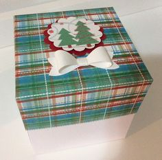 Christmas gift box. The bow was made using the Bow Builder Punch by Stampin' UP.