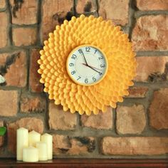 Aren't you looking for fun DIY plastic spoon craft projects? In this article, we will show you some DIY projects about plastic spoons. Plastic spoons are more than just utensils. With a few plastic spoons, Plastic Spoon Crafts, Plastic Spoons, Plastic Spoon Mirror, Plastic Silverware, Plastic Plastic, Diy Recycling, Pottery Barn Inspired, How To Make Wall Clock, Diy Clock