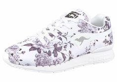 #KangaROOS #Damen #Sneaker #Coil-R #Flower« #weiß Alloverprint. Gepolsterter Fersenbereich. Dämpfende Dynacoil-Zwischensohle. Glattes und atmungsaktives Obermaterial.. Verschluss: Schnürung. Laufsohlenmaterial: Gummi.