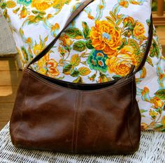Rolfs Vintage Brown Leather Purse. I need a normal brown purse like this for everyday.