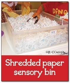 Shredded paper sensory bin - simple, inexpensive, and fun sensory play #sensoryplay || Gift of Curiosity
