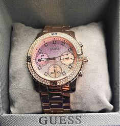 When you open up the box ✨ Click the link in our bio to see 3 other colors of our best-selling Gradient Feminine Sport Watch #LoveGUESS