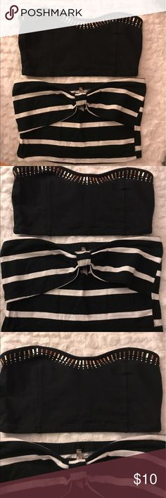 Bandue bundle Both fitting size medium, excellent condition Tops Crop Tops