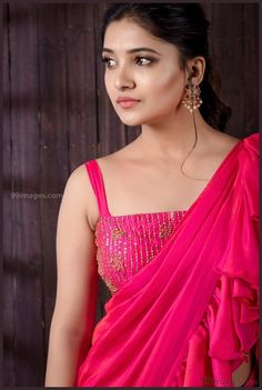 Vani Bhojan is an Indian Famous Tamil, Telugu Actress And Model.She also a model and works for much [Read More] Beautiful Bollywood Actress, Beautiful Indian Actress, Beautiful Actresses, Beauty Full Girl, Beauty Women, South Indian Actress Hot, Beautiful Saree, Beautiful Women, Beautiful Eyes