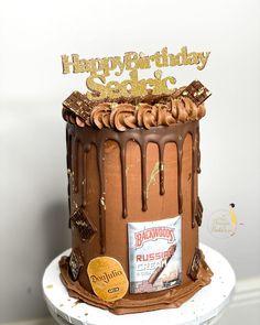 "𝐐𝐮𝐚'𝐓𝐞𝐬𝐡𝐚 𝐅𝐞𝐥𝐝𝐞𝐫•𝗖𝗮𝗸𝗲 𝗗𝗲𝘀𝗶𝗴𝗻𝗲𝗿 on Instagram: ""𝗖𝗵𝗼𝗰𝗼𝗹𝗮𝘁𝗲 𝗼𝗻 𝗖𝗵𝗼𝗰𝗼𝗹𝗮𝘁𝗲 🍫 : : : : : : : : : : : : : : : : : : : : : : : : : : : : : : : #chocolatecake #dripcake #donjulio #backwoodscake…"" Drip Cakes, Custom Cakes, Chocolate Cake, Birthday Cake, Treats, Desserts, Instagram, Food, Design"
