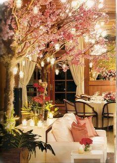 Decoração com flor de cerejeira