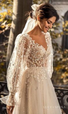 Boho Chic Wedding Dress, Dream Wedding Dresses, Bridal Dresses, Wedding Gowns, Lace Wedding, Floral Wedding Dresses, Timeless Wedding Dresses, Hippie Chic Weddings, Vintage Style Wedding Dresses