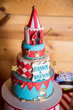 Festive circus inspired cake / Jeramie Lu Photography