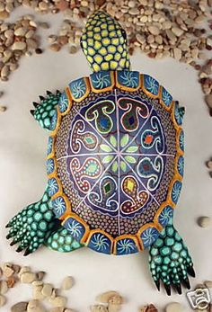 Recycled Wine Bottle Glass Windchime on Driftwood Turtle Oaxaca Wood Carving Oaxacan Mexican Folk Art Turtle Painting, Dot Art Painting, Ceramic Painting, Ceramic Art, Sea Turtle Art, Turtle Shells, Ceramic Turtle, Wood Carving Art, Wood Carvings