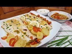 Merluza al horno con patatas, receta fácil y deliciosa | Cocina Seafood Dishes, Fish And Seafood, Mediterranean Recipes, Sin Gluten, Caprese Salad, Healthy Life, Food And Drink, Yummy Food, Yummy Yummy
