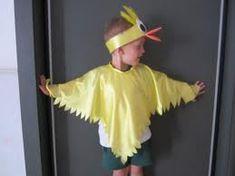 Hola, a mi hijo le toco disfrazarse de pollito en el festival de primavera, pero estoy de viaje y mi esposo va tener que hacer el disfraz, asi que que necesit