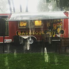 Rain or shine we are ready to dine