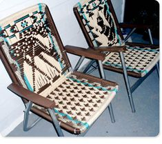 Trailer park macrame lawn chairs Recycled Crafts, Diy Crafts, Colour Splash, Diy Furniture Restoration, Macrame Chairs, Woven Chair, Patterned Chair, Macrame Patterns, Macrame Projects