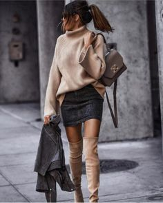 outfit ideas for women;outfit ideas for winter;outfit ideas for school; 40 Casual Bomber Jacket Outfits for Winters 'Cause it's Back in Trend' Winter Fashion Outfits, Fall Winter Outfits, Look Fashion, Autumn Winter Fashion, Womens Fashion, Fall Fashion, Winter Fashion Women, Fashion Dresses, Fashion Clothes