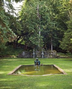 The Coster-Gerard family embellished the space with garden ornaments, including the pool's fountain, as seen today.