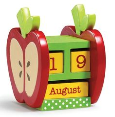 Charming wooden apple calendar comes complete with wooden cubes, printed with numbers to represent the date, and others for the month. Locker Decorations, Apple Decorations, Cute Teacher Gifts, Teacher Appreciation Gifts, Diy Calendar, Desk Calender, Craft Gifts, Diy Gifts, Personalized Gift Cards