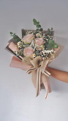 Boquette Flowers, Flower Bookey, Flower Bouquet Diy, Peony Bouquet Wedding, Bouquet Wrap, Beautiful Bouquet Of Flowers, Flowers For You, Peonies Bouquet, Flower Pots