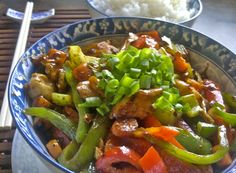 Bf and I eat stir fry a lot, but usually it's a Monday night meal that we make to quash the guilt of overeating during the weekend. We also reserve this dish for the beginning of the week because i...