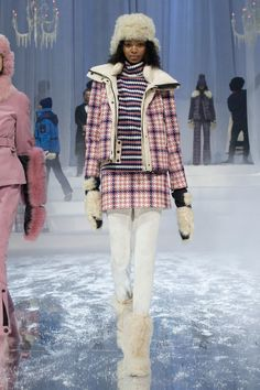 http://www.vogue.com/fashion-shows/fall-2017-ready-to-wear/moncler-grenoble/slideshow/collection