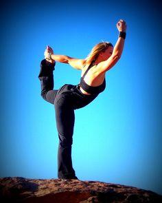 Pixabayの無料画像 - ヨガ, ダンサー, 空, 青, 岩, 青い空, フィットネス, 女性