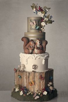 The Best Woodland Themed Cakes - Kuchen Gorgeous Cakes, Pretty Cakes, Amazing Cakes, Unique Cakes, Creative Cakes, Wedding Cake Rustic, Wedding Cakes, Camo Wedding, Squirrel Cake