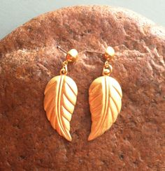 Vintage Gold Leaf Earrings by MatildaMarie on Etsy, $3.00