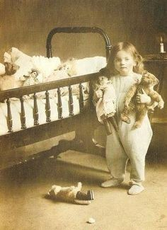 Baby Next To Crib (Pkg Of 15 Holiday Cards) from Victorian Trading Co. with a teddy bear Vintage Children Photos, Vintage Pictures, Old Pictures, Vintage Images, Old Photos, Vintage Kids, Antique Photos, Teddy Photos, Bear Photos