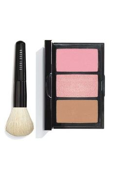 Designed to be layered, these three complementary powder formulas from Bobbi Brown make it easy to achieve a long-lasting, fresh glow.