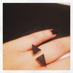 Edgy and classy with black diamonds   #finejewelry #newyork #istanbul #diamond #daintyjewelry #casual #elegant #urban #pinkgold #lookoftheday #minimal #lovediamond #lovegold #styleoftheday #engagementring #engagementrings #weddingring #engagementbands #haloengagementring #diamondjewelry #bridalshower #promisering #weddingset #diamondbands #engagementbands #proposal Dainty Jewelry, Diamond Jewelry, Fine Jewelry, Wedding Sets, Wedding Rings, Engagement Bands, Black Diamonds, Diamond Bands, Promise Rings