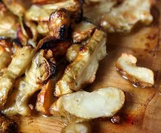 This is a simple recipe on how to roast sunchokes.  Use this recipe if you are trying Jerusalem artichokes for the first time.