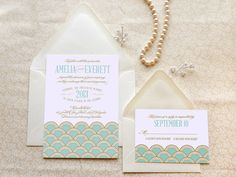 Mint and Gold Scallops Gatsby Wedding Invitations  di merrymint, $20.00