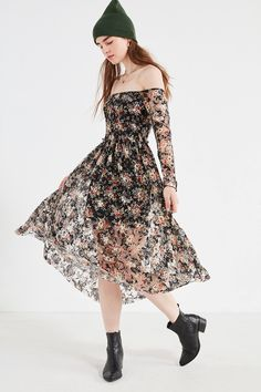 Shop UO Off-The-Shoulder Floral Lace Midi Dress at Urban Outfitters today. We carry all the latest styles, colors and brands for you to choose from right here.