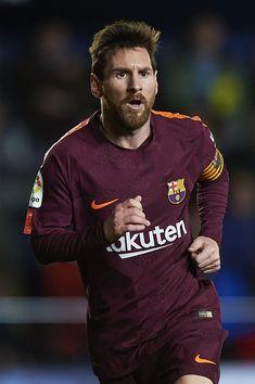 Lionel Messi of Barcelona celebrates scoring his team's second goal during the La Liga match between Villarreal and Barcelona at Estadio La Ceramica on December 10, 2017 in Villarreal, Spain.