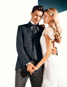 www.tziacco.de | #WILVORST #tziacco #Hochzeit #wedding #Hochzeitsmode #weddingdress #Bräutigam #groom #Hochzeitsmomente #weddingdream #Anzug #suit #SlimLine #Drop8 #Trend #echtemomente #wedtime #realmoments #wedmoments #hochzeit #weddingoutfitoftheday #ootd #derschönstetag #hochzeitsmoment #hochzeitsanzug #brautundbräutigam #hochzeitstag #hochzeitszeremonie #hochzeitinwilvorst #newmenswear