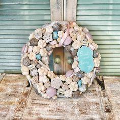 Sweet door hanger / Kopogtató Wreath Ideas, Door Hangers, Hanukkah, Diy And Crafts, Wreaths, Sweet, Home Decor, Summer, Candy