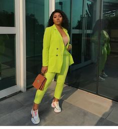 Shop The Workwear Looks Style Editors Are Loving This Week in Issue 3 Black Girl Fashion, Suit Fashion, Look Fashion, Classy Work Outfits, Chic Outfits, Fashion Outfits, Suits And Sneakers, Business Outfits Women, Look Blazer