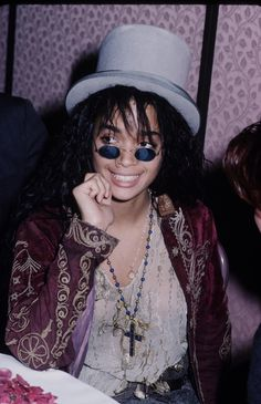 I <3 Lisa Bonet....she always seemed to be high as hell lol...so mellow and chill and just awesome