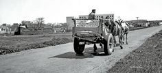 C-520. Don Benito. Carro en carretera antigua.