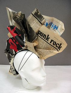 punk rock hat by Stephen Jones (British, born Zombie Walk, Caroline Reboux, Cardboard Costume, Stephen Jones, Crazy Hats, Body Adornment, Fancy Hats, Costume Institute, Halloween Kostüm