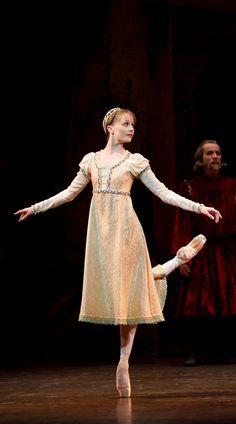 Birmingham Royal Ballet - Romeo and Juliet; Jenna Roberts as Juliet; photo: Bill Cooper