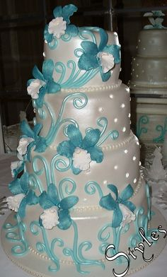 Trendy Wedding Cakes Turquoise And Purple Aqua Ideas Cool Wedding Cakes, Beautiful Wedding Cakes, Wedding Party Favors, Wedding Cake Toppers, Beautiful Cakes, Wedding Centerpieces, Wedding Ideas, Wedding Inspiration, Turquoise Cake