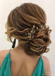 Elstile Wedding Hairstyles for Long Hair / http://www.deerpearlflowers.com/wedding-hairstyles-for-long-hair/2/