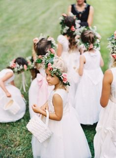 flower girls.. I want tay to wear a flower crown