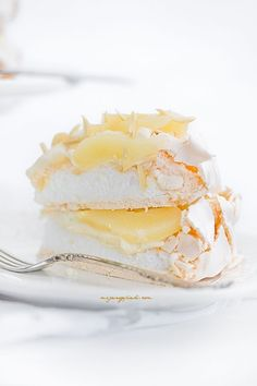 Meringue gateau with creme patissiere and pears