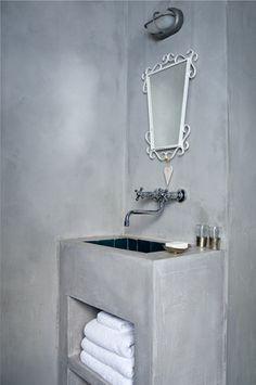 Betonnen wastafel op pinterest beton badkamer minimalistische badkamer en minimalistische - Betonnen badkamer ...