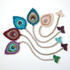 Happy Tuesday to all of you I've just listed all kinds of Peacock Feather bookm. - Happy Tuesday to all of you I've just listed all kinds of Peacock Feather bookmarks in the Gifts - Marque-pages Au Crochet, Crochet Amigurumi, Crochet Motifs, Crochet Flower Patterns, Crochet Books, Crochet Gifts, Crochet Designs, Crochet Doilies, Crochet Flowers