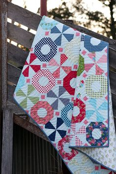 South Bank Spin Quilt by Aqua Paisley Studio. PDF pattern available now :)