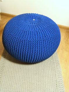Pufa dziergana ręcznie  - usiądź i odpocznij ... w KNITTING FACTORY na DaWanda.com