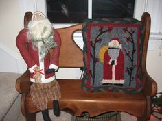 another picture of my rug hooked santa Christmas Rugs, Christmas Decorations, Rug Hooking, Santa, Decorating, Blanket, Wool, Pictures, Decor